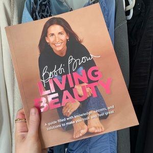 BRAND NEW Bobbi Brown Living Beauty Book